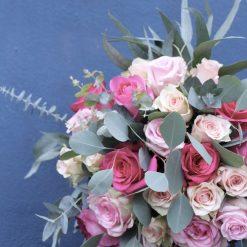 bouquet roses roses eucalyptus